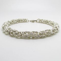 Entwined rings bracelet