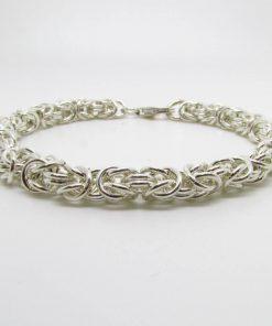 Entwined rings bracelet