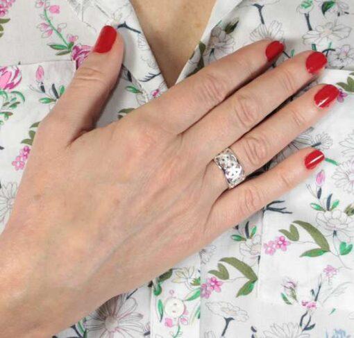 Daisy Chain Ring Daisy Chain Ring