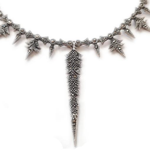 feather necklace close up1 feather necklace close up1